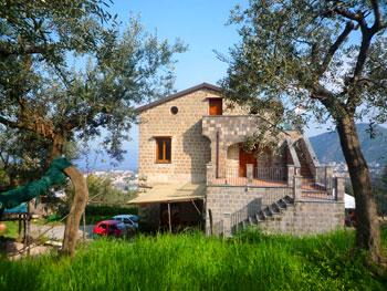 Appartamento casa vacanza in costiera amalfitana tra for Piani casa costiera